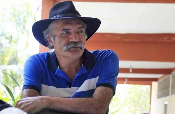 PGR quiere encarcelar de nueva cuenta a Mireles por hacer 'apología del delito'.