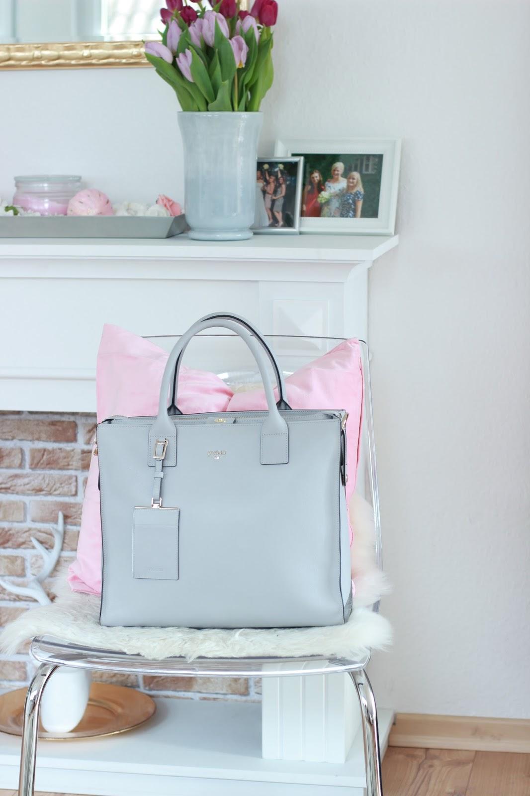 Fashionblogger - hellgraue Tasche - Graue Tasche inspiration - Inspirationen zu Hause