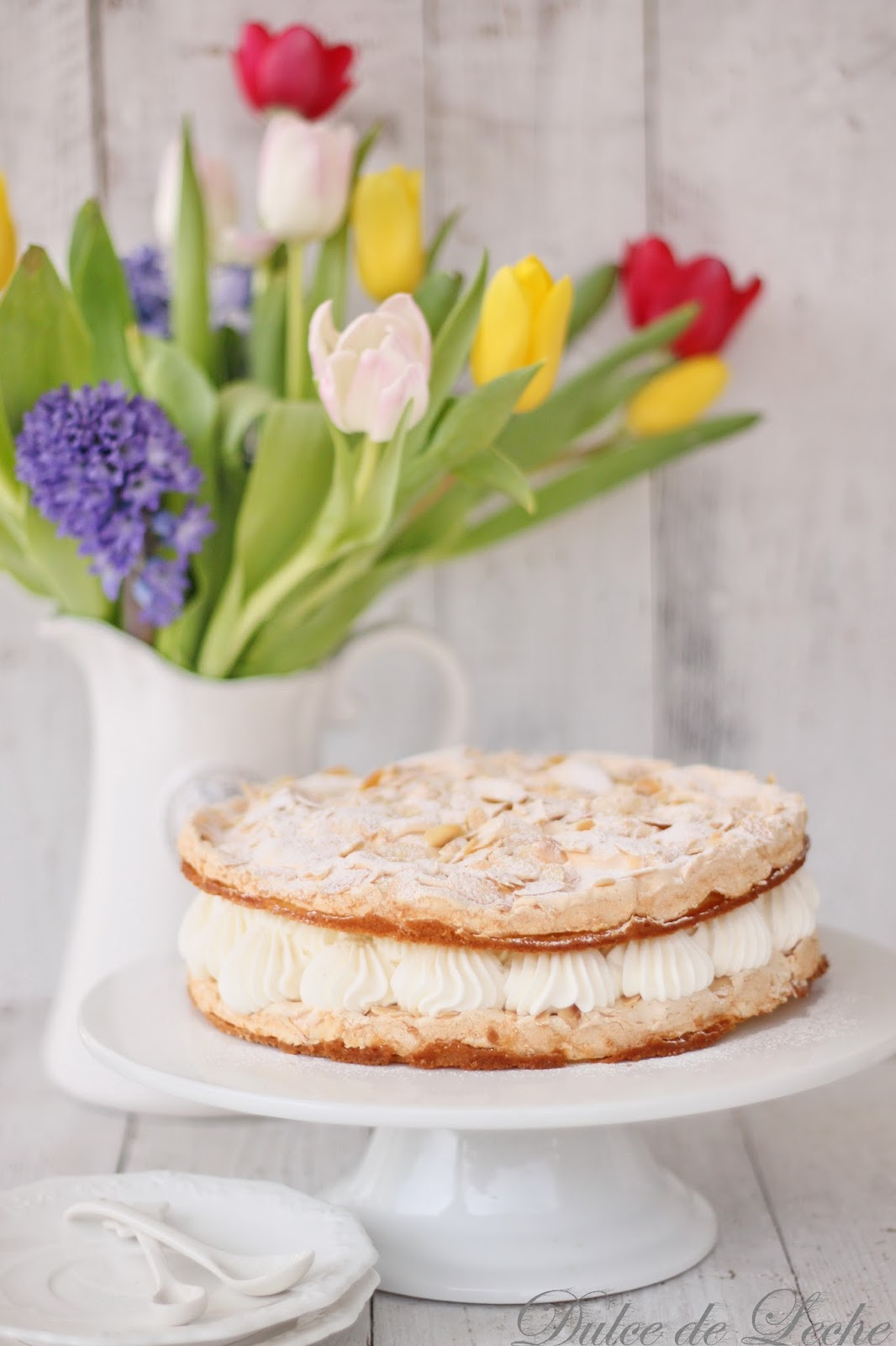 Mandľovo šlahačková torta