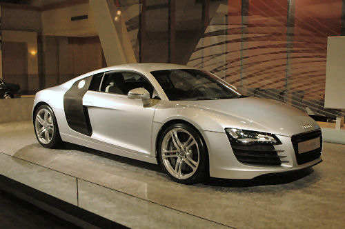 audi r8 costo 2016 audi r8 uk pricing announced 2011 audi r8 gt price details from 198 000. Black Bedroom Furniture Sets. Home Design Ideas