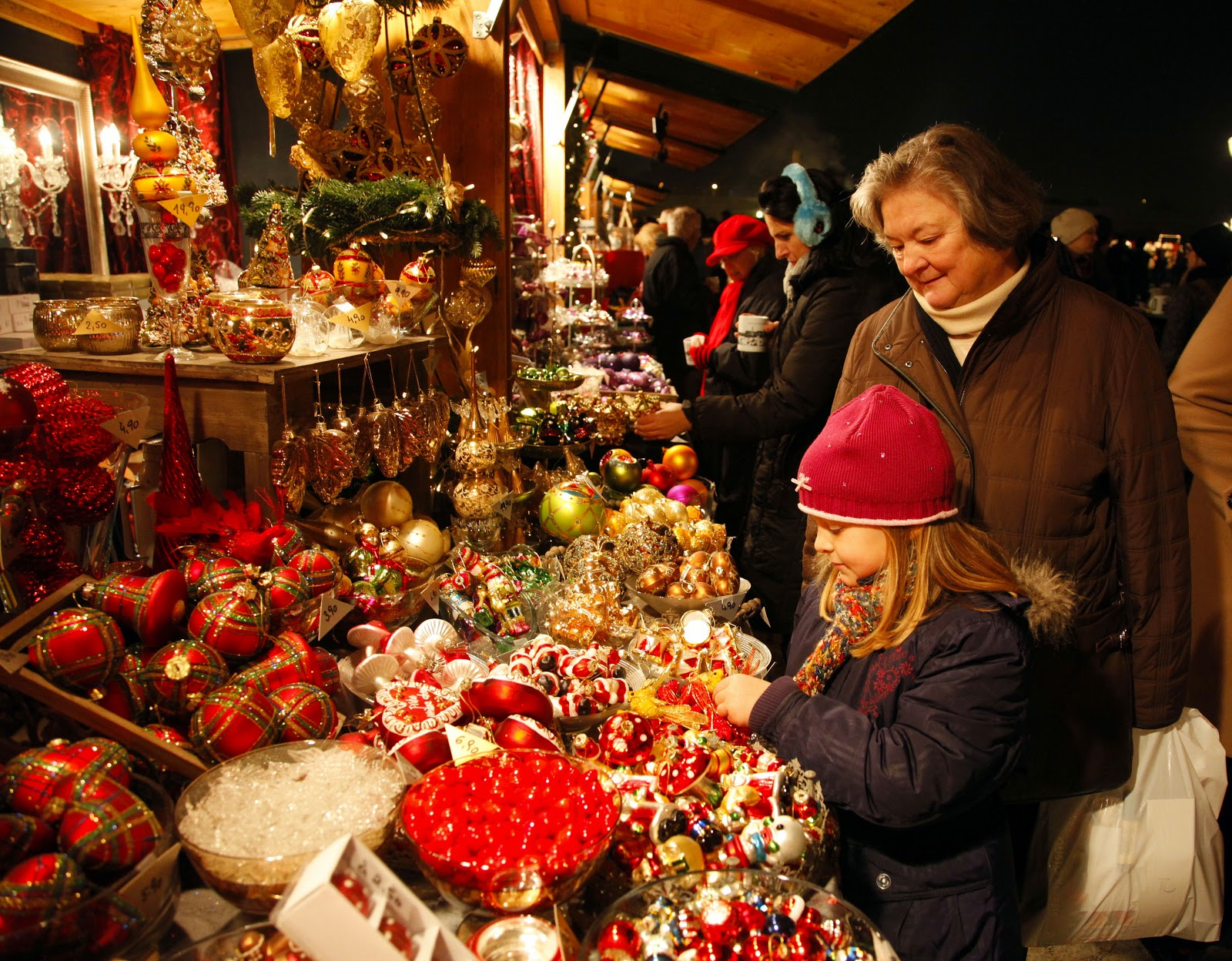 Traditional Christmas ornaments and baubles of every size, shape and color can be found in any number of the Alpine Chalets lining all of the Christmas market squares. Photo: Courtesy of Austria Tourism © Gerhard Fally. Unauthorized use is prohibited.