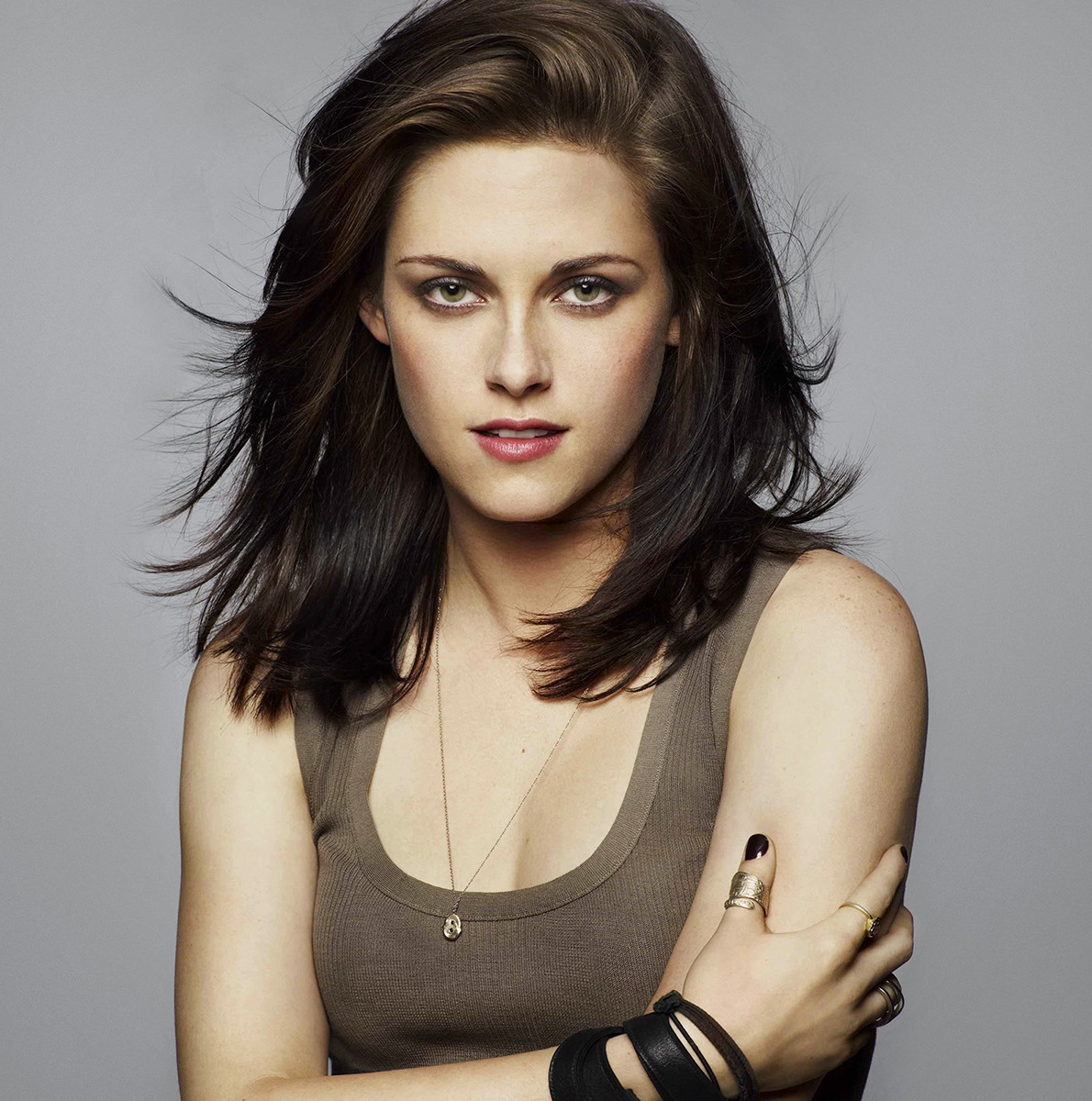 BOLLYWORLD: Twilight Girl Kristen Stewart Wants To Work