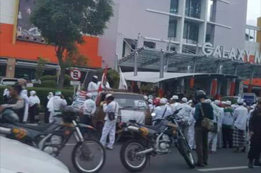Bukti yang Membuat Liberalis Mati Kutu Soal FPI Sweeping di Mall Surabaya