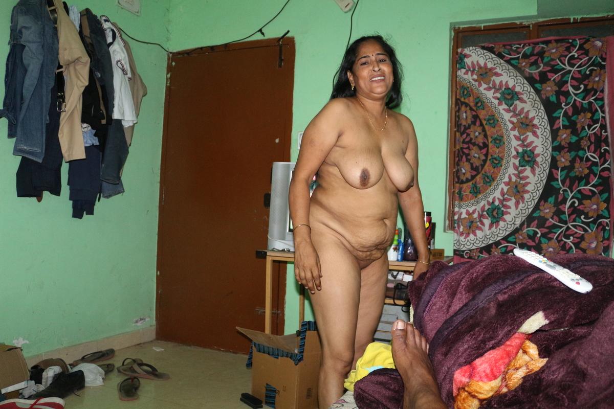 Indian Porn Photos Sexy Bhabhi Strip Naked