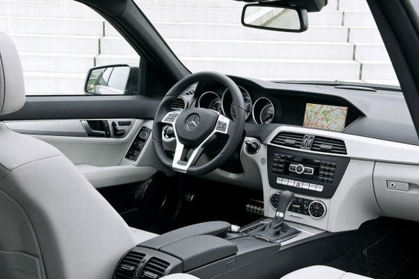 cool car wallpapers 2012 mercedes benz c class. Black Bedroom Furniture Sets. Home Design Ideas