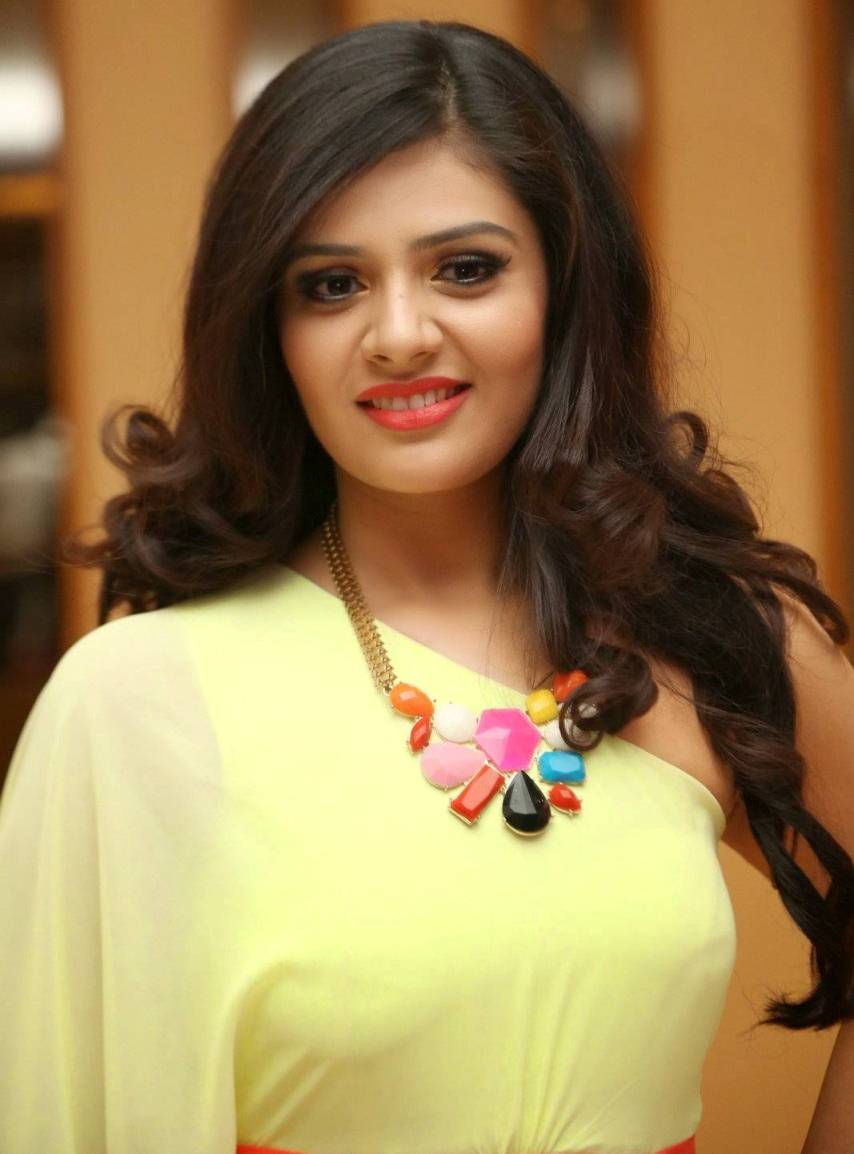 Telugu TV Anchor Hot Photos In Yellow Dress Sreemukhi