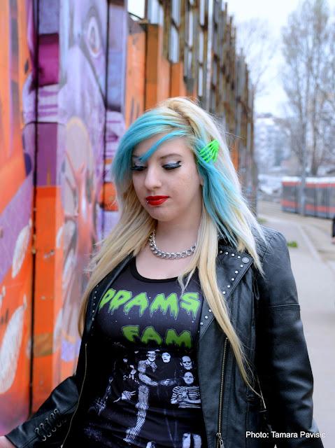 grunge retro goth horror scene addams family t-shirt zombie