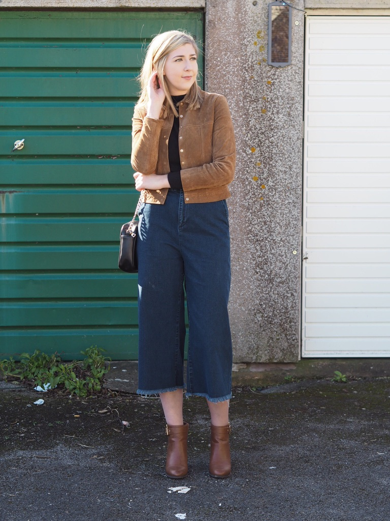 asos, mango, topshop, asseenonme, wiw, whatimwearing, lotd, lookoftheday, ootd, outfitoftheday, denimculottes, suedejacket, brownheelboots, fbloggers, fblogger, fashionpost, fashionbloggers, fashionblogger