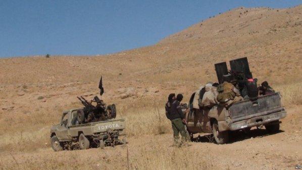 """أنباء عن مفاوضات لإخراج """"جيش خالد"""" المبايع لداعش إلى بادية سويداء."""