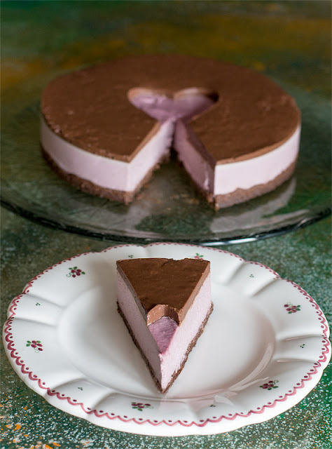 Kos presne višnjeve čokoladne tortice