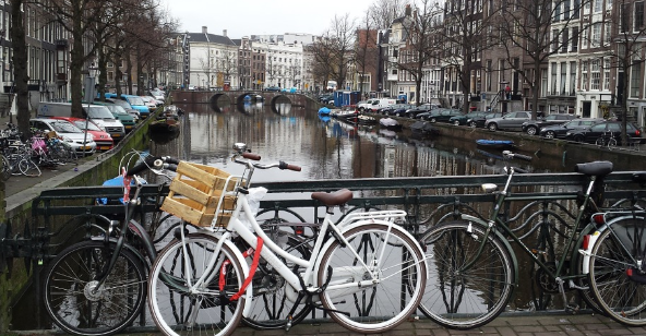 Jalan-jalan Bersepeda di Amsterdam Belanda