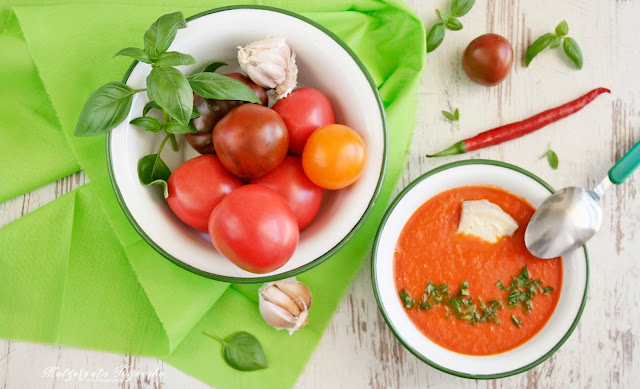 sezonowe zupy, błyskawiczna zupa, z pomidorów, niebieski ser pleśniowy, daylicooking, Małgorzata Kijowska