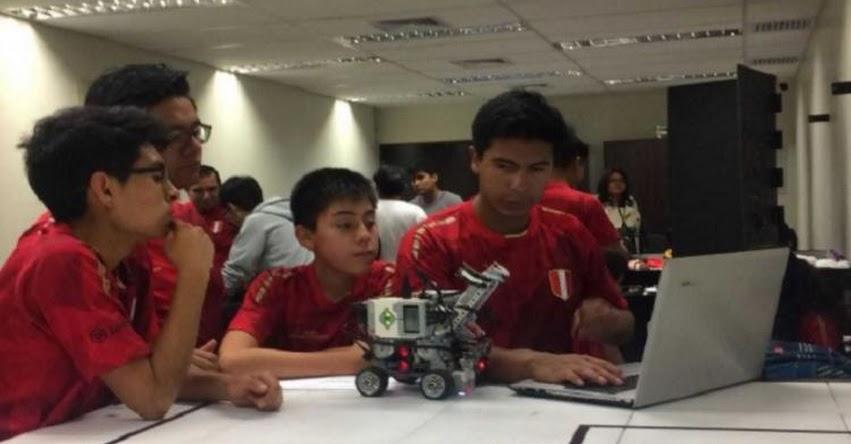 Estudiantes de Arequipa ganan premio en el Mundial de Robótica «Robocup 2018» en Canadá