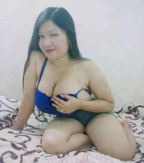 Tania Mengaku Sedih Karena Semua BH di Pasar Tak Muat Menampung ( . | . ) Miliknya