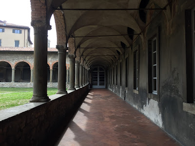 View of the main cloister, Chiostro dell Arche.