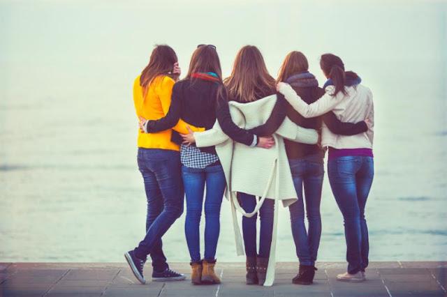 Tener amigas aumenta un 50 % tus probabilidades de vivir más