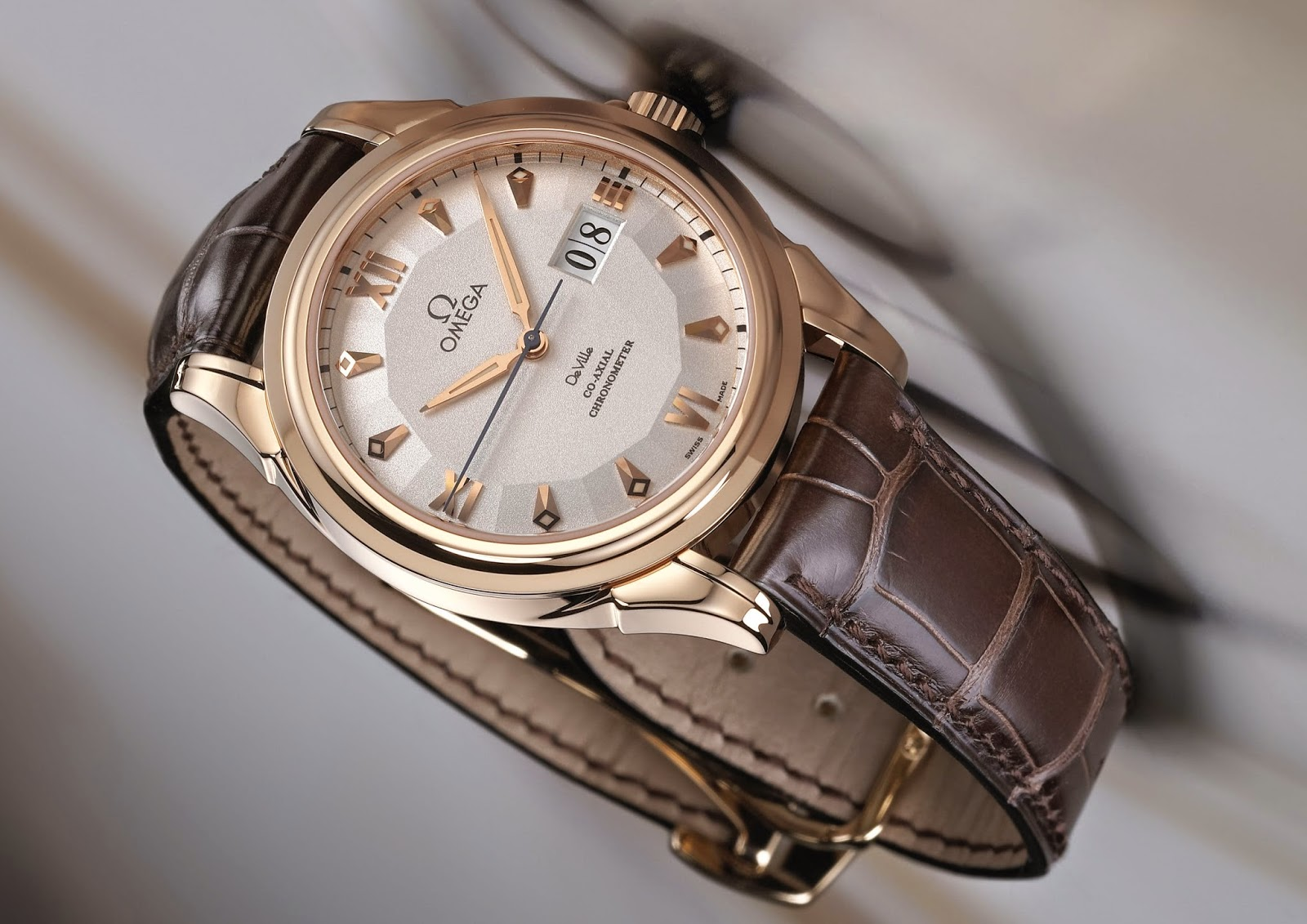 Omega - De Ville Co-Axial Big Date watch red gold case