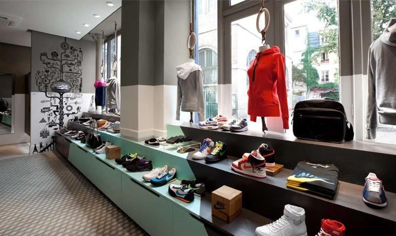 magasins ouverts paris le dimanche boutiques marais montmartre champs elys es bons. Black Bedroom Furniture Sets. Home Design Ideas