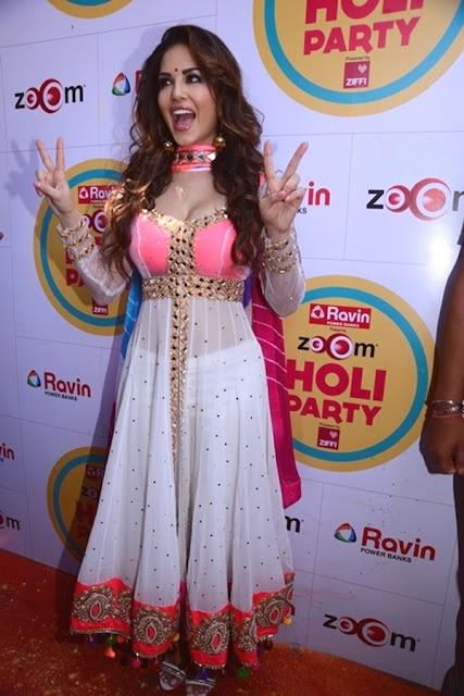 Sunny Leone Playing Holi Hot Bollywood Actress Dirty Pics - Neeshucom-7620