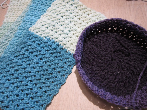 crochet, free patterns, hat, scarf, Caron Cakes, double crochet cross stitch