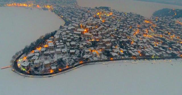 Εντυπωσίασε όλη την Ελλάδα το βίντεο του Studio Trasias με τη χιονισμένη Καστοριά