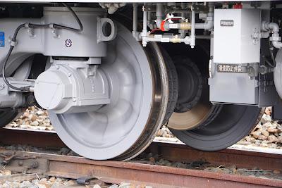東武鉄道70000系 SC107(TRS-17M)台車のディスクブレーキ