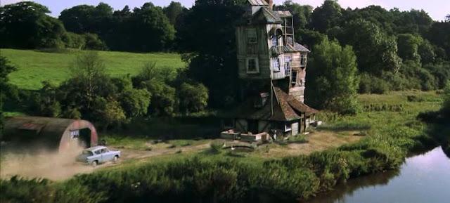Хралупата на семейство Уизли в Хари Потър и стаята на тайните