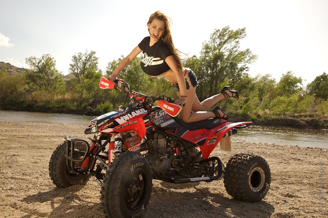 Jordan-Carver-ATV-famous-hot-sexy-photo-shoot-image-9