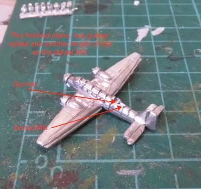 Ju 52 Tante 1/600 Plane Tumbling Dice Gunner MG