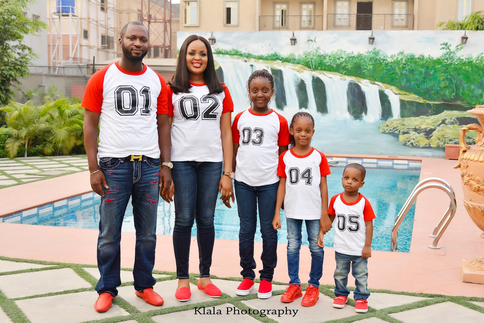 Beautiful Family Mark 10th Year Wedding Anniversary With