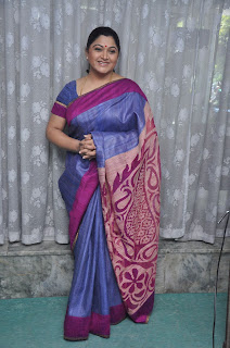 Kushboo in silk saree stills (1).jpg