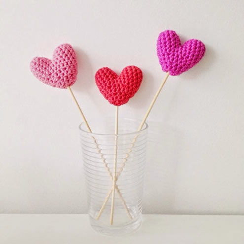 Easy crochet pattern: hearts (photo by: Annemaries Haakblog) | Happy in Red