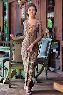 Model Kebaya Lamaran Khas Jawa Modern