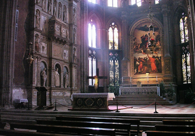 O que conhecer na Basília Santa Maria Gloriosa em Veneza