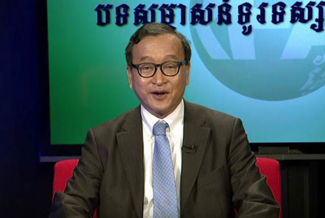 Opposition leader Sam Rainsy discusses Cambodia's political situation with RFA, June 15, 2016.  RFA