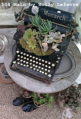 Vintage Goods: succulents in a typewriter