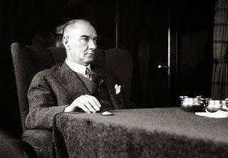 Atatürkten Bir Ders -  Galip Baysan