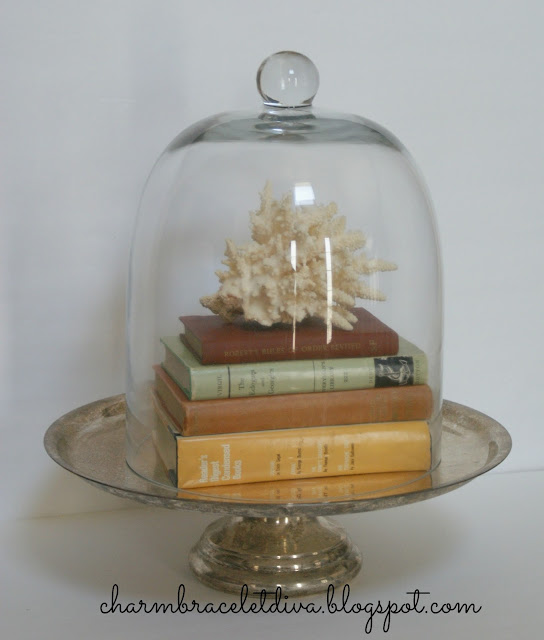 Cloche decor coral vintage books