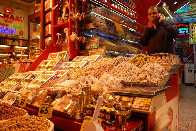 Египетский Базар  (Египетский Рынок, Рынок пряностей, Рынок специй Мысыр Чаршысы, Mısır Çarşısı)