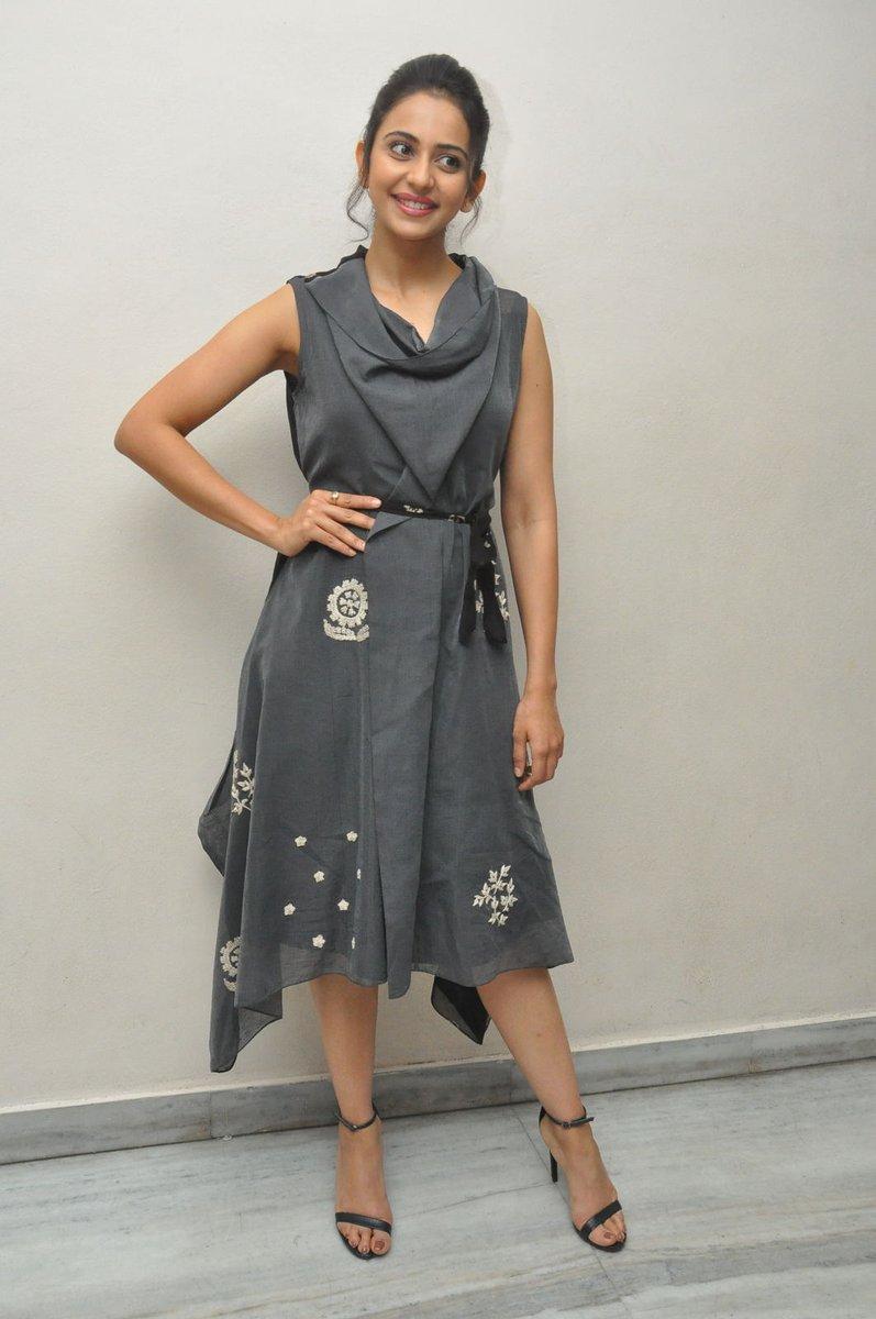 Actress RakulPreetSingh Latest HD Images In Saree