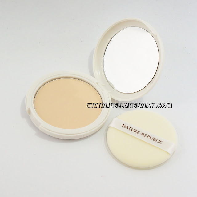 nature republic by flower powder pact shade 23 swatch nellanelwan