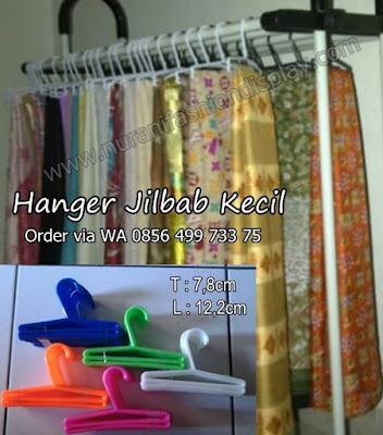 Hanger Jilbab Kecil