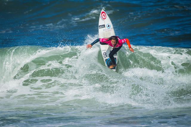 10 Ariane Ochoa EUK Prozis Pro Junior Espinho Foto WSL Damien Poullenot