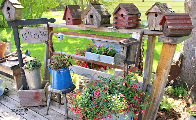 Collecting & Displaying Rustic Birdhouses #junkgarden #gardenjunk #fuchsias #coleus #waxbegonias #birdhouses