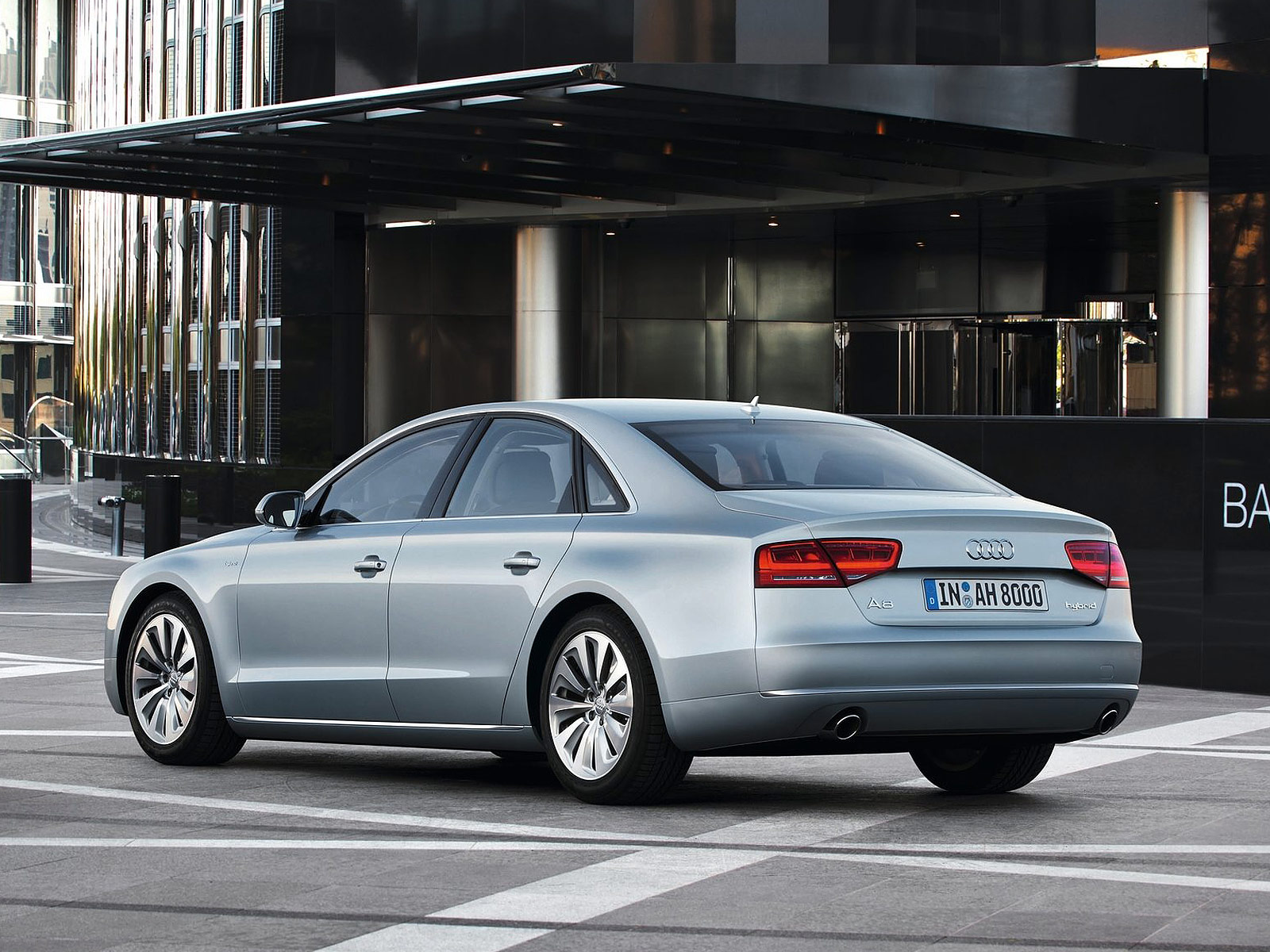 2013 Audi A8 Hybrid Car Accident Wallpaper
