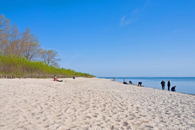 plaża w Rewie, piasek, morze, miejscowość