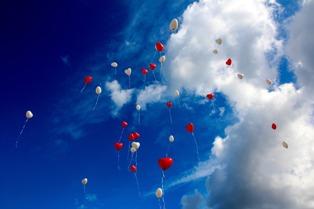 foto palloncini a forma di cuore