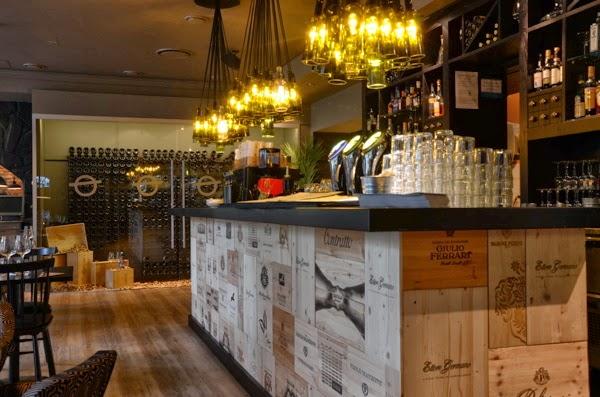 Barquitec recicla y reutiliza 5 barras originales for Diseno de barras de bar rusticas