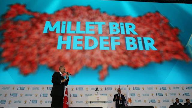 """Ο """"πνιγμένος"""" Ερντογάν θέλει να πιαστεί από τα μαλλιά της Ευρώπης"""