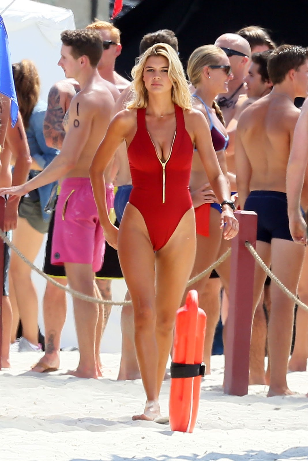 Kelly Rohrbach Exposing Sexy Ass Hot Cleavages Lovely -9041